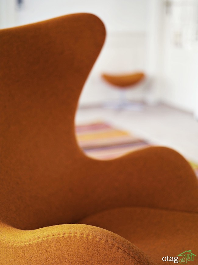 Egg, model 3316/3319 designed by Arne Jacobsen in 1958. Upholstered with orange Divina Melange fabric.