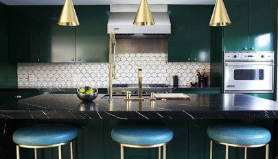 Bright-metallic-themes-in-kitchen (15)