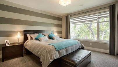 Contemporary-bedroom-designs-with-striped-accent-wall (11)
