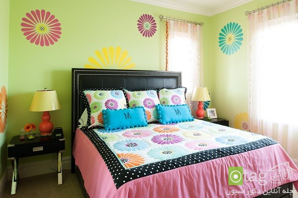 Double-Bed-with-Bedding-Set (20)