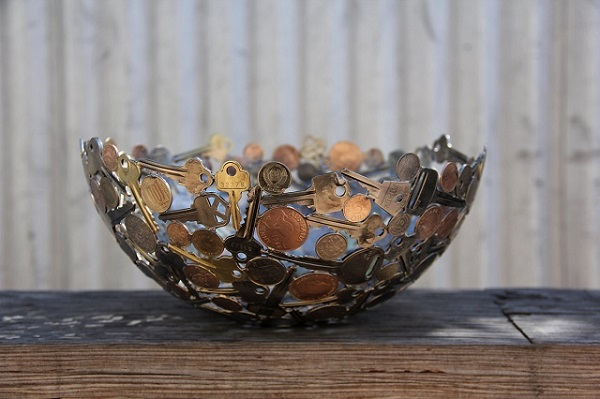 Sculptures-Made-By-Using-Keys-and-Coins (3)