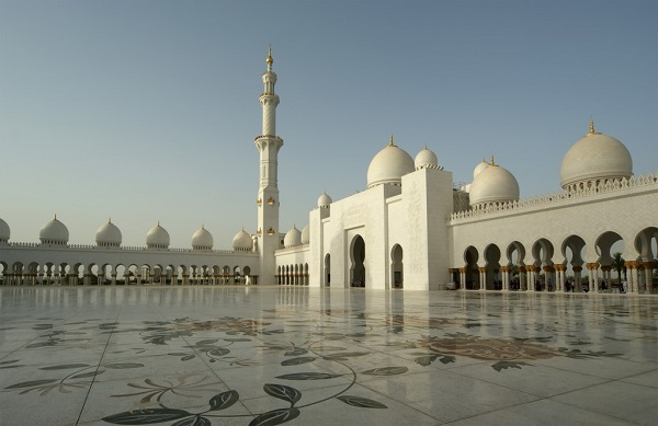 best-islamic-mosques-interior-and-outdoor-designs (13)