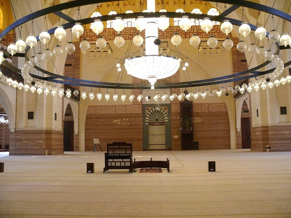 best-islamic-mosques-interior-and-outdoor-designs (17)