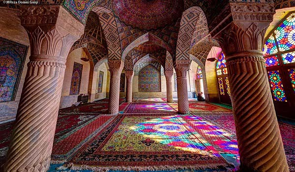 best-islamic-mosques-interior-and-outdoor-designs (5)