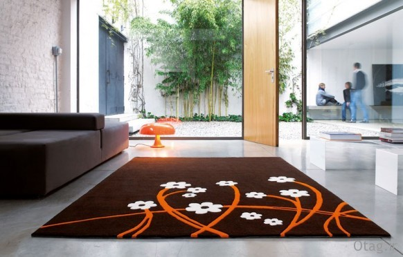 red-flower-rug-582x372