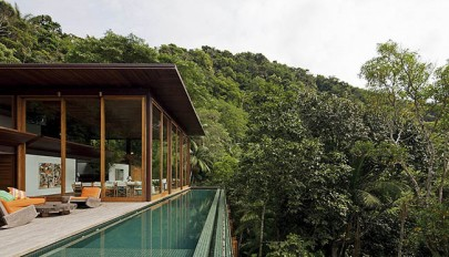 villa-design-in-lush-green-environment (1)