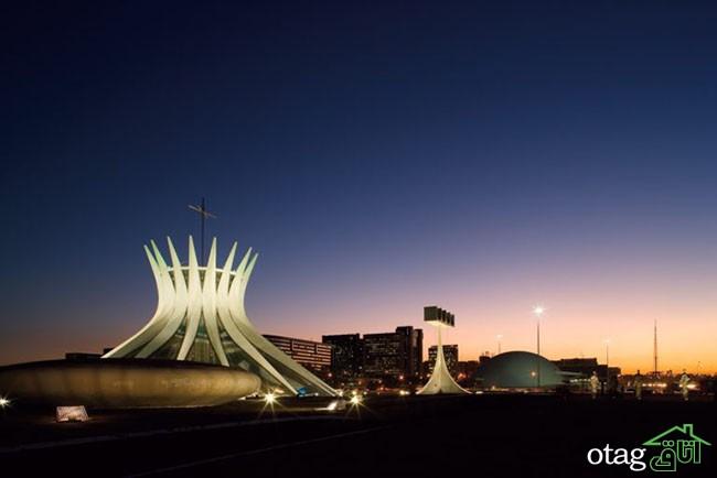 A Catedral Metropolitana de Brasília foi projetada por Oscar Niemeyer e está localizada na Esplanada dos Ministérios. Na área externa vê-se os sinos que foram doados pelo governo espanhol. Brasília (DF) Foto: Nicolau El-moor