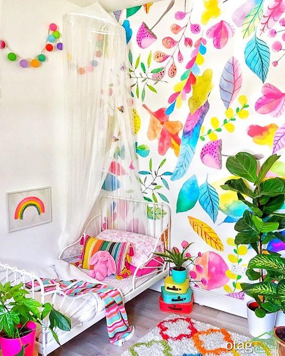 کاغذ دیواری اتاق نوزاد فانتزی، طرح های شاد و جذاب
