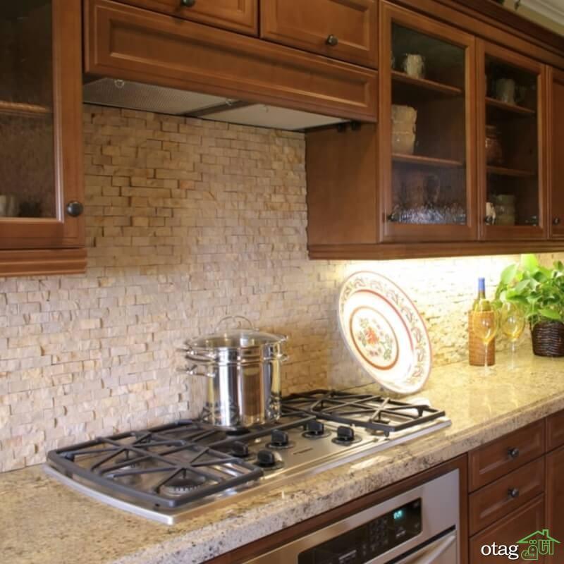 12 نمونه دکوراسیون آشپزخانه با کاشی بین کابینتی