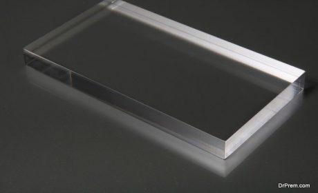 شیشه یا پلکسی گلاس شفاف ؟ کدام برای دکوراسیون اتاق و خانه شما بهتر است؟