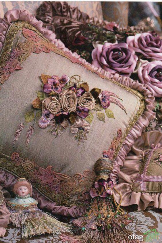 45 طرح جذاب کوسن مبل کلاسیک و سلطنتی در انواع رنگها