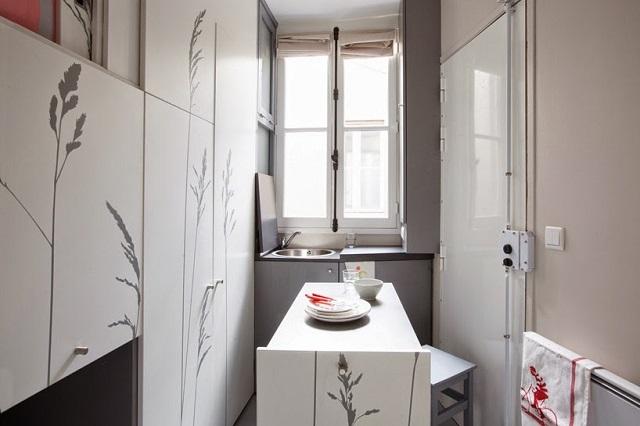 8-sqm-Parisian-Apartment-with-Hidden-Facilities (7)