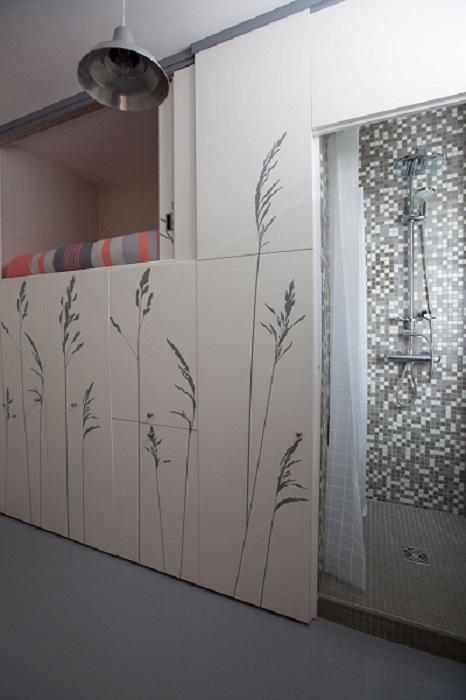 8-sqm-Parisian-Apartment-with-Hidden-Facilities (8)