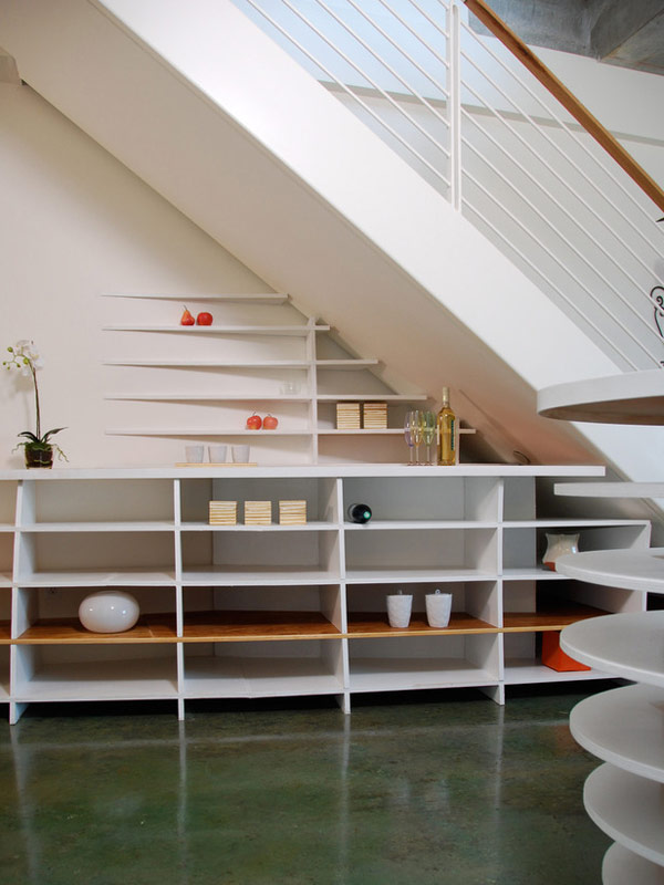 Beautiful-stairs-with-classy-shelf-space-designs (9)