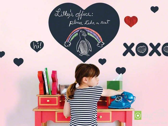 CI-wallcandy-arts_chalkboard-heart_s4x3.jpg.rend.hgtvcom.1280.960