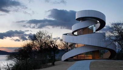 معماری مکان های مذهبی / آشنایی با کلیسای روبانی در ژاپن