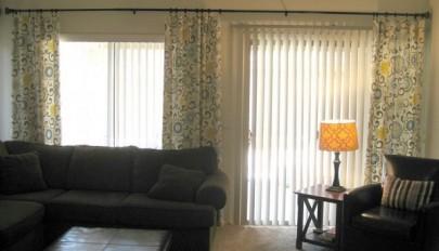 مدل پرده مناسب در و پنجره شیشه ای با رنگ های متنوع