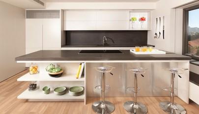 جدیدترین مدل های دکوراسیون آشپزخانه جزیره ای با قفسه های باز