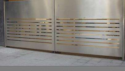 مدل های جدید درب ورودی ساختمان در طرح های فلزی و چوبی