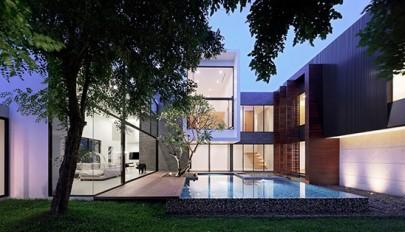 طراحی استخر در حیاط خانه 140 متری با طراحی بسیار زیبا