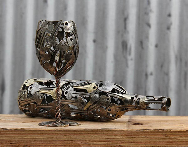 Sculptures-Made-By-Using-Keys-and-Coins (15)