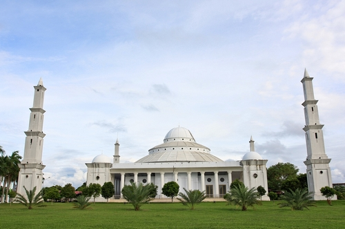 best-islamic-mosques-interior-and-outdoor-designs (14)