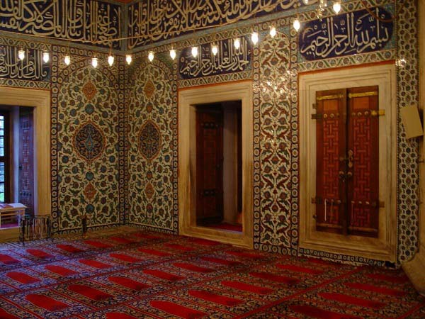 best-islamic-mosques-interior-and-outdoor-designs (4)