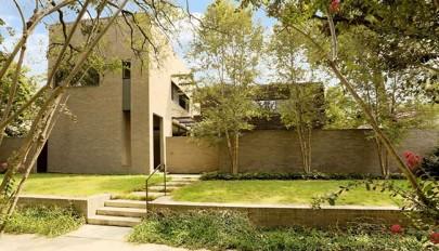 نمای آجری ساختمان مسکونی دو طبقه مدرن با دکوراسیون داخلی شیک