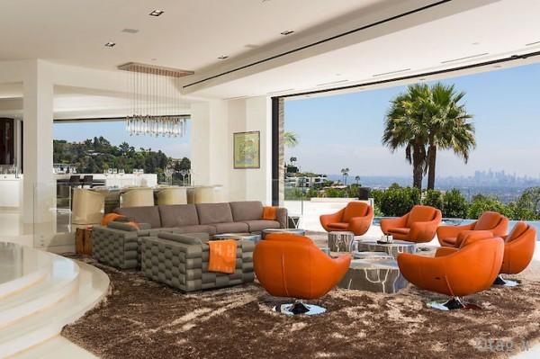 deep-plush-living-room-carpet-600x399