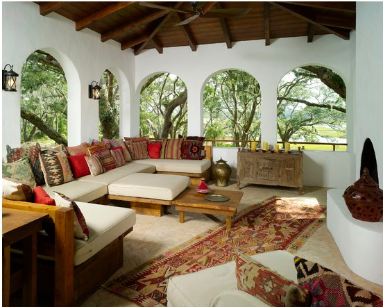 indoor-and-outdoor-rooms-are-created-around-kilim-rugs- (8)