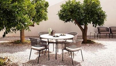ست میز و صندلی فضای بیرون خانه با قابلیت جابجایی آسان
