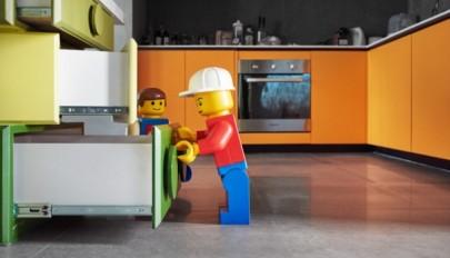 طراحی داخلی آپارتمان مناسب کودکان با تم اسباب بازیهای لگو