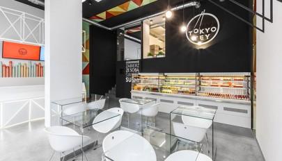 دکوراسیون رستوران سوشی الهام گرفته از رول های غذای سوشی
