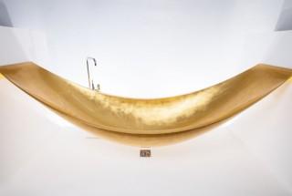 مدل وان حمام ساخته شده از طلای 24 عیار