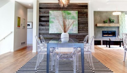 مدل میز ناهارخوری همراه با صندلی های شیشه ای و شفاف