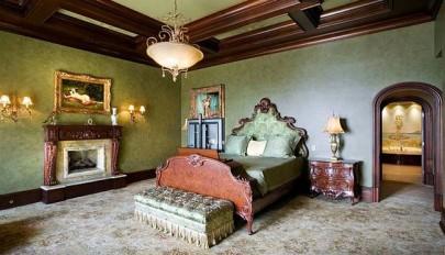 دکوراسیون سلطنتی اتاق خواب با مبلمان بسیار شیک و لوکس